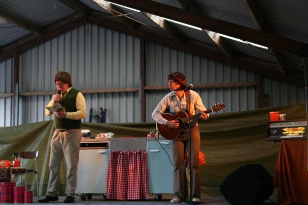 Foto's Zingen bij de Afwas in Peest